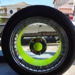 Roda de acrílico transparente